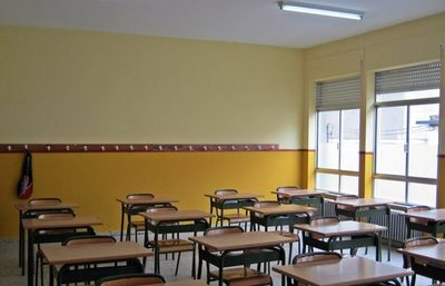 Padres en desacuerdo con los descuentos que ofrece un Colegio privado