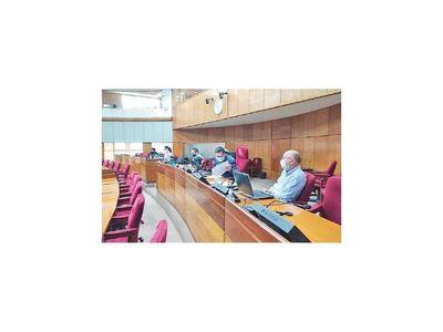 Blas  Llano cancela una licitación para compra de obsequios