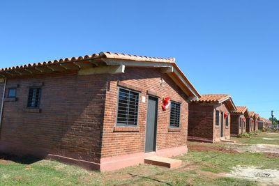 Unas 15 familias recibieron viviendas propias en Misiones