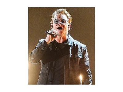 Bono cumple hoy 60 años, en guerra contra el Covid-19