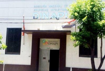 Dinapi suspende atención y actividades por caso sospechoso de COVID-19