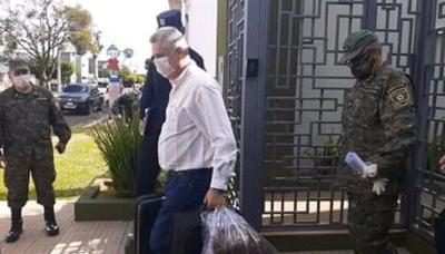 Intendente pedrojuanino fue confinado en un cuartel de Concepción