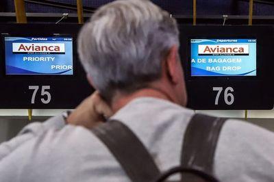 Avianca se desploma en bolsa, mientras NYSE suspende negociación de sus acciones