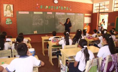 HOY / Dar exámenes a niños sin saber leer es un gran desatino, asegura Nancy Ovelar