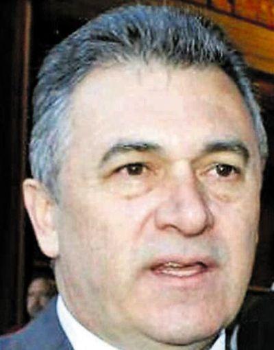 ANDE suspende la compra de millonarias columnas