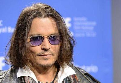 Johnny Depp recibe el apoyo de Vanessa Paradis en juicio por difamación