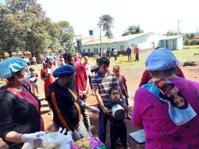 Ollas  Populares se instalan frente a la Gobernación de Alto Paraná por mayor asistencia