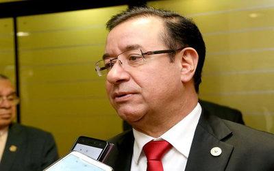 """Abogado de Cuevas sobre permiso otorgado al legislador: """"No estaba con esperanzas porque se tiraban las pelotas"""""""
