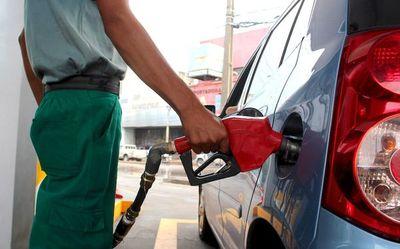 Bajarán precios de combustibles desde la próxima semana