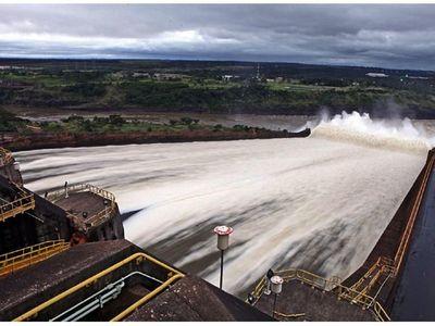 Itaipú dará agua al Paraná para permitir la navegación