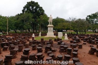 El día de su centenario, plaza que lleva el nombre del prócer Pedro Juan Caballero está en plena reconstrucción