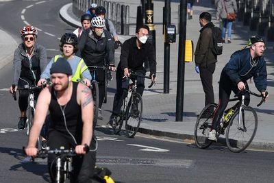 Ante la pandemia, Europa se sube a la bicicleta