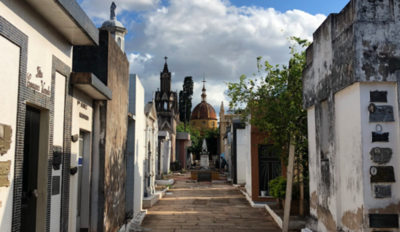 HOY / No podrán visitar a las madres en su día en los cementerios