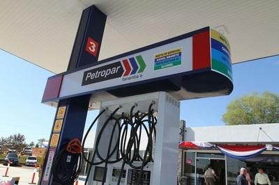 Petropar ultima detalles para anunciar reducción de precios de combustibles