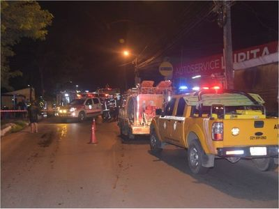 Vuelco e incendio de vehículo deja dos heridos en Ñemby