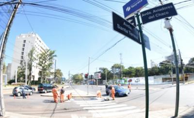 HOY / Autopista luce un mejor aspecto con revitalización de señales de tránsito