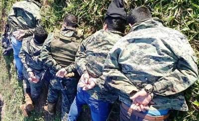 """Según comandante, policías """"estaban vigilando"""" pista narco • Luque Noticias"""