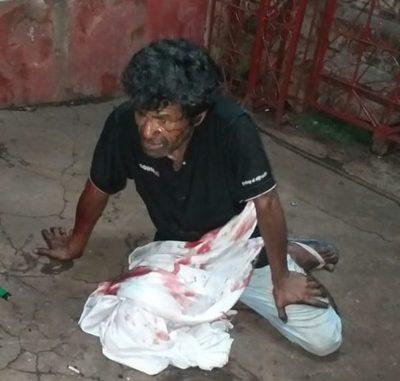 Indigente apuñalado durante riña no resistió a herida y murió