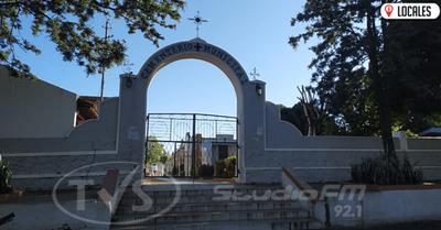 Cementerio de Encarnación recibe visitas de acuerdo a inicial de apellido