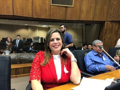 Recortes en Binacionales: si causa indignación en Kalé, Monges, Cachito y Beto, quiere decir que es bueno para el Paraguay, afirma diputada
