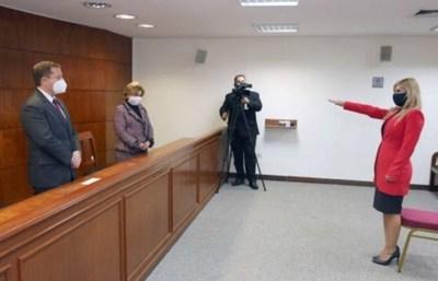 Magistrada de Itapúa prestó juramento de rigor