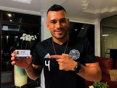 Disponen arresto domiciliario para el jugador Miguel Samudio por violar cuarentena