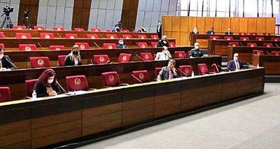 Titulares del Interior y Defensa rechazan limitar viajes al exterior