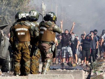 Violenta protesta por falta de alimentos y trabajo en Chile