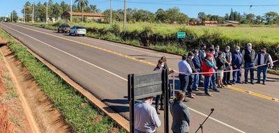 Gobierno inaugura encarecidas rutas