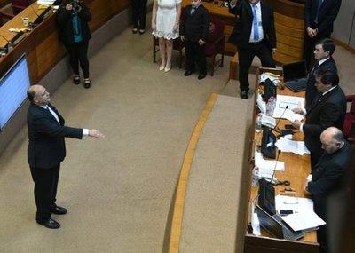 Un liberal ocupa lugar dejado por Oviedo Matto