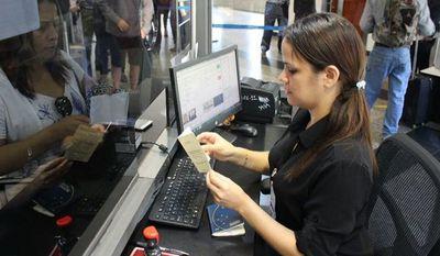 Migraciones reabre sus puertas para la tramitación de documentos migratorios · Radio Monumental 1080 AM