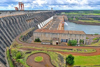 De enero a agosto la ITAIPU proveyó a la ANDE 2,4% más de energía que el año pasado