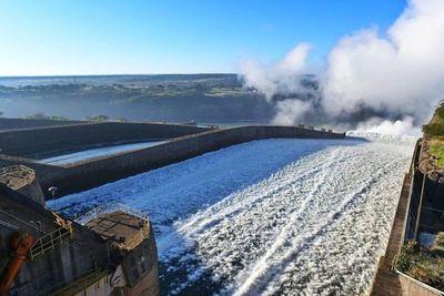 Se inició la exportación de 200 mil toneladas de soja por el río Paraná