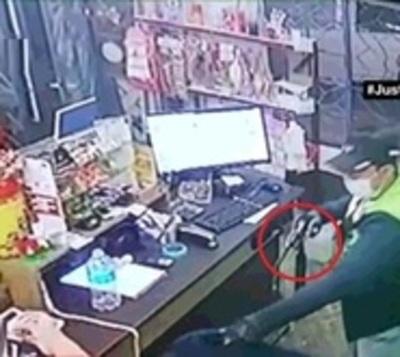 Mujer se defendió de asalto e hizo huir a delincuentes