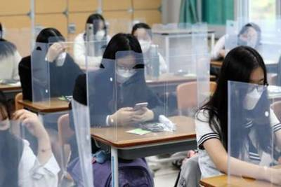 Corea del Sur reabre sus escuelas con estrictas medidas de seguridad sanitaria
