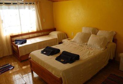 Más hoteles son capacitados para albergar a connacionales
