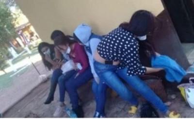 Detienen a cinco mujeres que ingresaron al país desde el Brasil