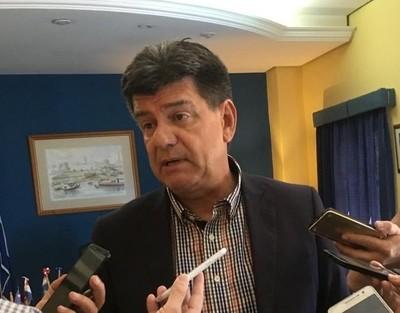 Efraín Alegre expulsa del Directorio del PLRA a senadores