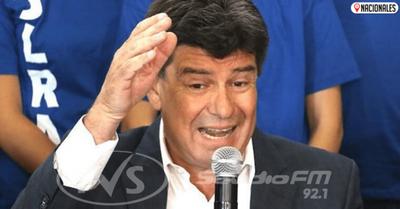 Efraín «pasa factura» a senadores que votaron a favor de Diesel y los expulsa del directorio del PLRA