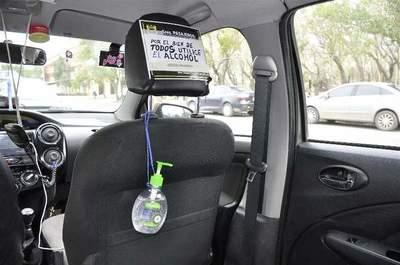 Dejar alcohol en gel dentro del auto: Una mala decisión