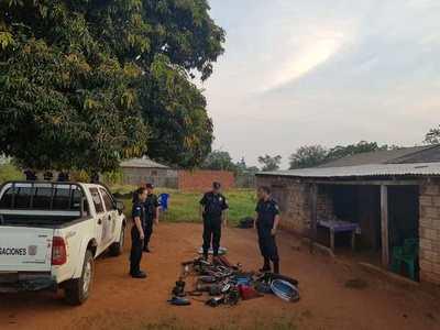 Policías de Campo 9 realizan allanamientos en varios puntos