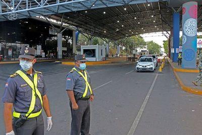 Comercio ahogado y miedo al contagio en la frontera entre Paraguay y Brasil