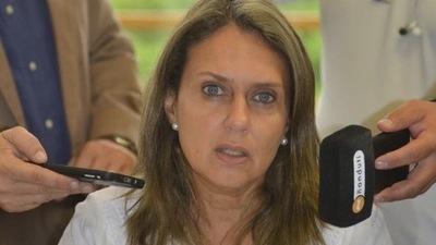 Insumos: Diputada pide sumario para funcionarios involucrados en el caso