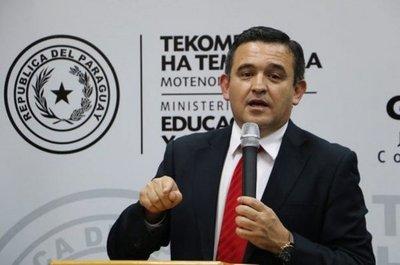 Eduardo Petta recibe voto de censura por parte del Senado