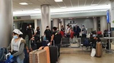 Vuelven al país 159 connacionales provenientes de Chile