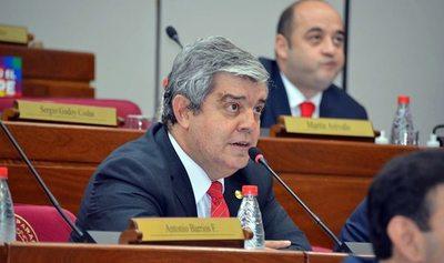 El mismo Petta se encargó de que todos se unan en su contra, afirmó Riera