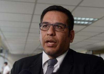 Denuncias por presuntas sobrefacturaciones de la ANDE deben pasar de lo administrativo a lo penal, según Godoy