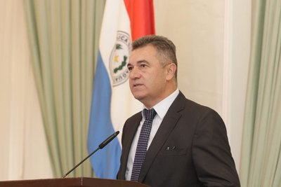 Presidente de la ANDE niega sobrefacturaciones
