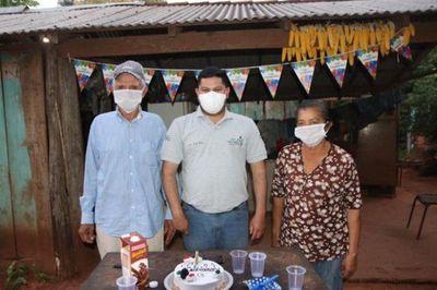 Enfermero celebró su cumple con sus pacientes