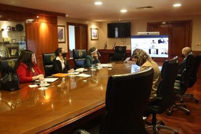 Ministros se reunieron virtualmente con internos